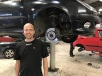 VærkstedschefAlex Ejlertsen har 7 gode råd til tjek af bilen. Foto: