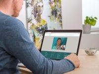 Fleksibilitet er nøgleordet I Aleris-Hamlet Hospitalers nye tilbud. Der er mulighed for at mødes med psykologen ansigt til ansigt, men derudover kan klienten også vælge at mødes med psykologen online på smartphone, tablet eller computer. Foto: PR.