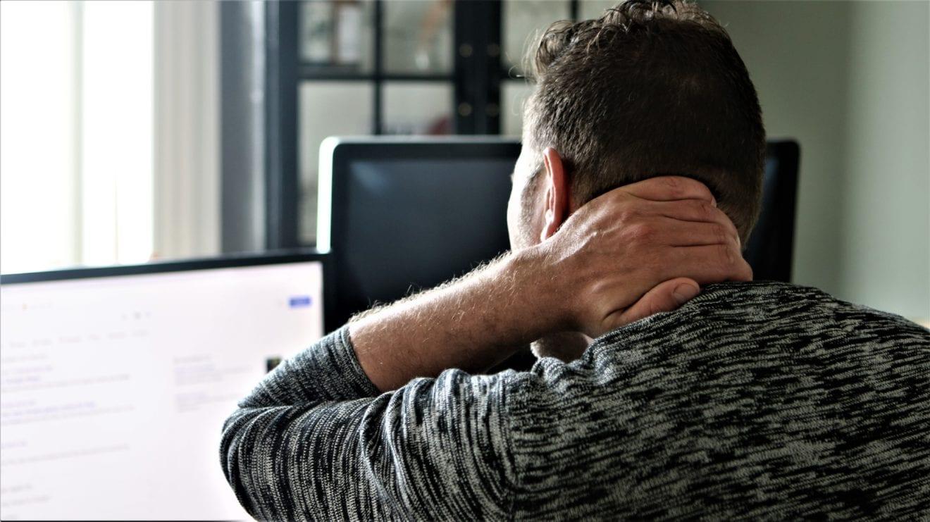 Forkerte arbejdsstillinger giver dig hovedpine